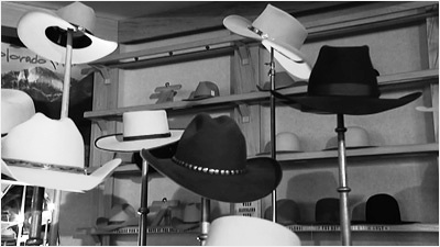 handling-hats