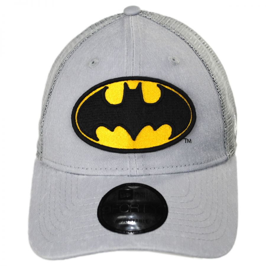 cheap for discount e72eb 0784c DC Comics Batman 9Forty Trucker Snapback Baseball Cap in