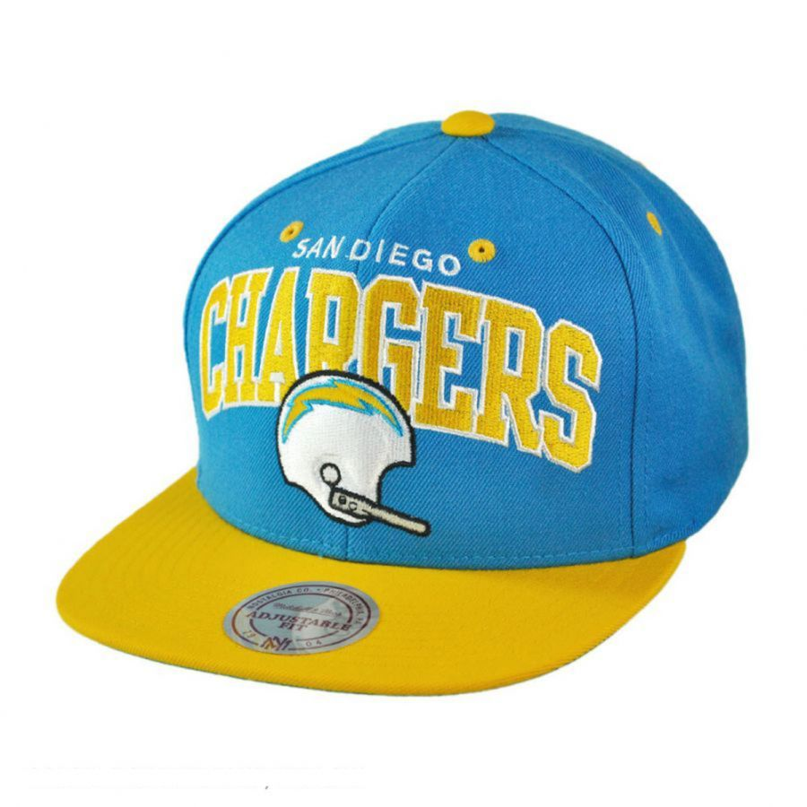 San Diego Chargers Cap: Mitchell & Ness San Diego Chargers NFL Helmet Snapback