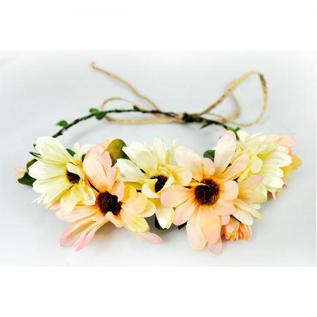Daisy Adjustable Wreath