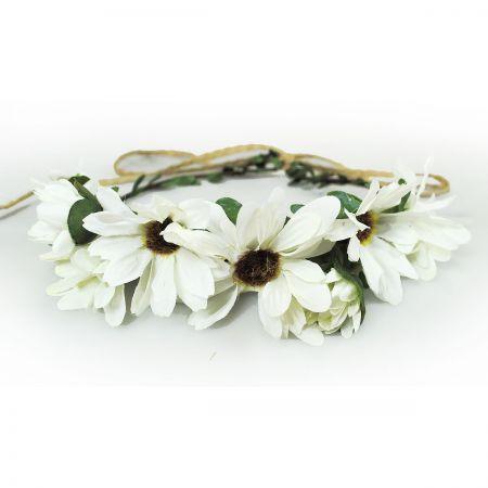 Jeanne Simmons Daisy Adjustable Wreath