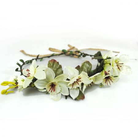Jeanne Simmons Flower Adjustable Wreath