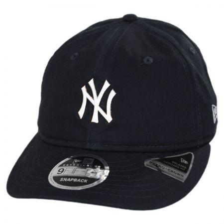 New Era New York Yankees MLB Badged Fan 9Fifty Snapback Baseball Cap