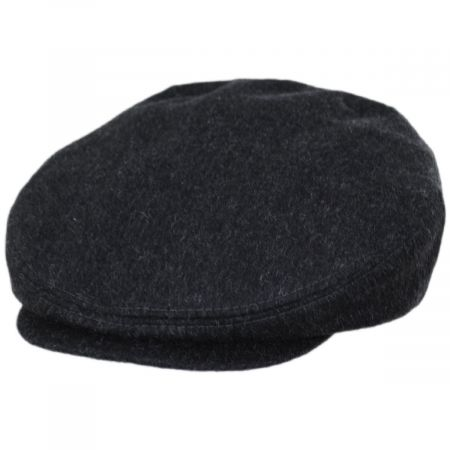 Black and White Boucle Beret 8 Piece Hat