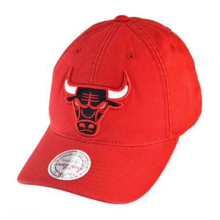 Mitchell & Ness Mitchell & Ness - Chicago Bulls Vintage Slouch Leather Strapback Baseball Cap