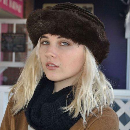 sur la tete Quebec Cuff Faux Fur Hat