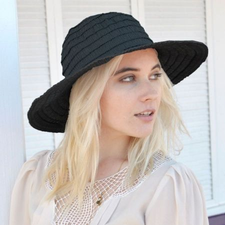 sur la tete Ruche Ribbon Floppy Hat